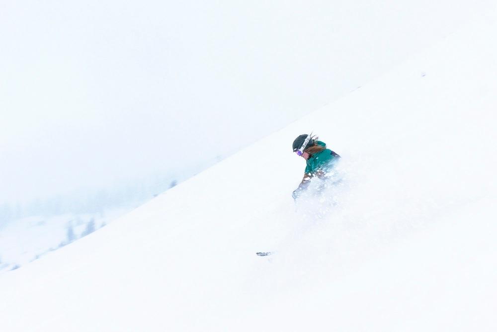 lindsey_clark_ski_bachelor